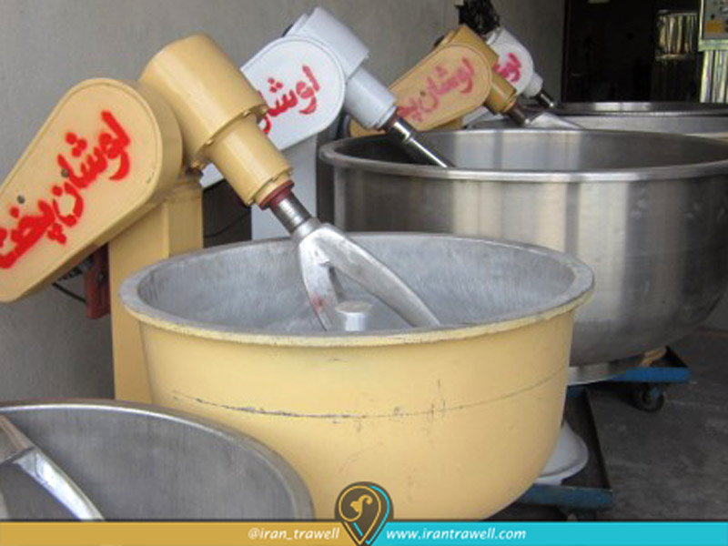 Dough preparation machine